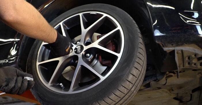 Wie HONDA ACCORD 2.4 i 2012 Bremsbeläge ausbauen - Einfach zu verstehende Anleitungen online