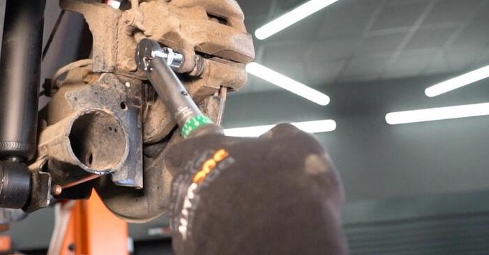 Wechseln Bremsbeläge am NISSAN LEAF Elektrik 2013 selber