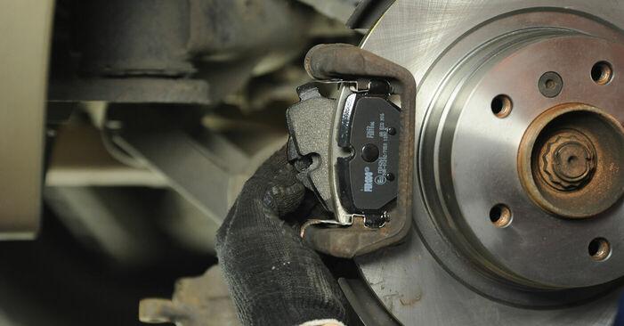 Recomendaciones paso a paso para la sustitución por su cuenta BMW E90 2007 325i 2.5 Pastillas De Freno
