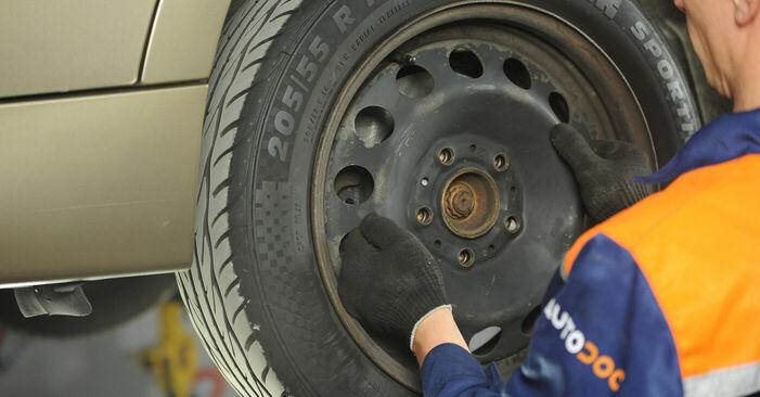 Cómo quitar Pastillas De Freno en un BMW 3 SERIES 325i 2.5 2010 - instrucciones online fáciles de seguir