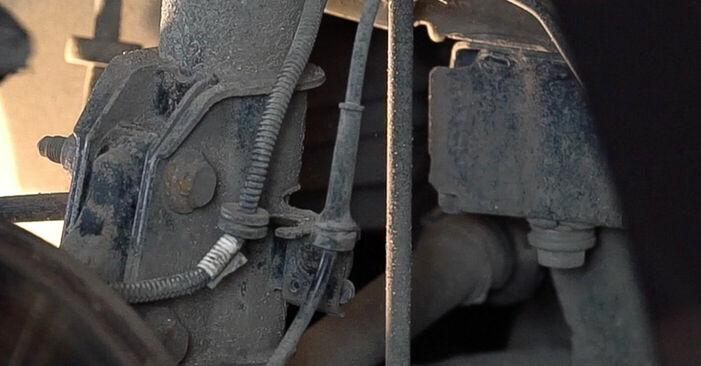 Replacing Strut Mount on FIAT BRAVO II (198) 2016 1.9 D Multijet by yourself