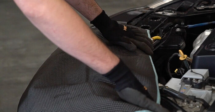 How to replace FIAT BRAVO II (198) 1.9 D Multijet 2007 Strut Mount - step-by-step manuals and video guides