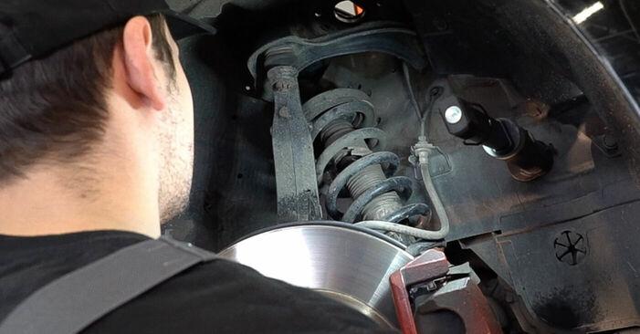 À quel point est-il difficile de le faire soi-même : télécharger le guide illustré pour le changement de Coupelle d'Amortisseur sur Honda Accord VIII CU 2.2 i-DTEC (CU3) 2014