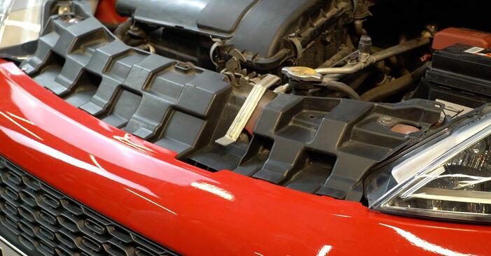 Tauschen Sie Ölfilter beim PEUGEOT 107 2005 1.0 selber aus