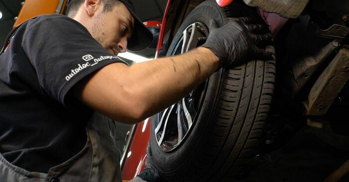 Wie PEUGEOT 107 1.0 2009 Bremsbeläge ausbauen - Einfach zu verstehende Anleitungen online