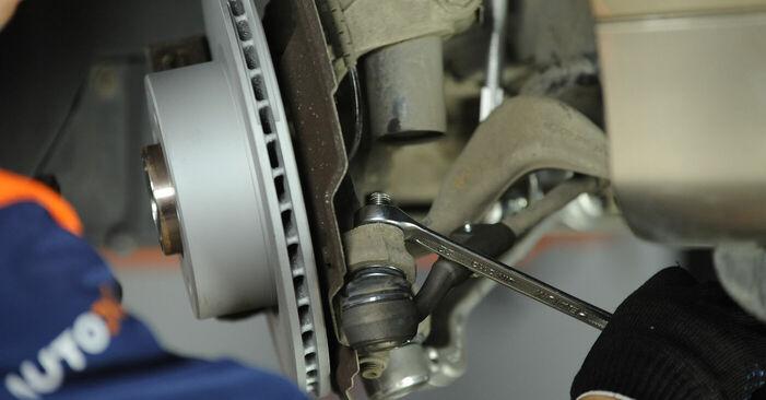 Mennyire nehéz önállóan elvégezni: BMW E90 325d 3.0 2006 Toronycsapágy cseréje - töltse le az ábrákat tartalmazó útmutatót