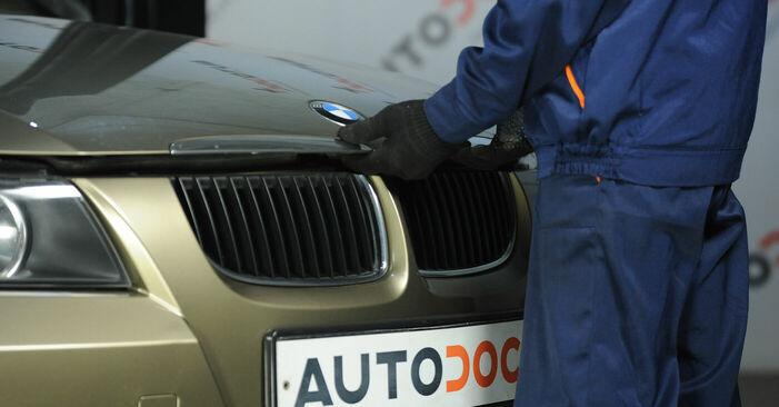 BMW E90 2005 325i 2.5 Toronycsapágy csináld magad csere - javaslatok lépésről lépésre