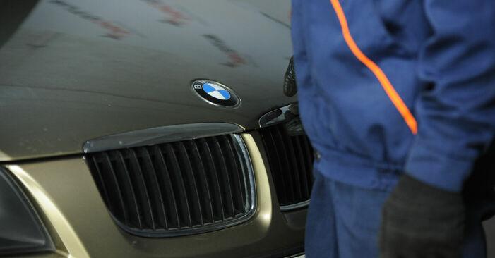 BMW 3 Sedan (E90) 2004 Toronycsapágy csere - tippek és trükkök