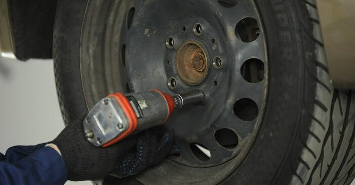 Querlenker BMW E90 318d 2.0 2008 wechseln: Kostenlose Reparaturhandbücher