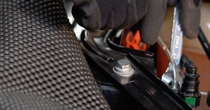 Kā nomainīt FIAT BRAVO II (198) 2018 Degvielas filtrs - padomi un ieteikumi