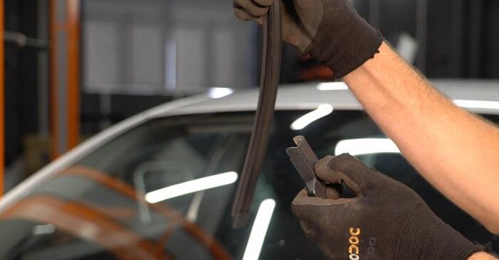 Volvo v50 mw 1.6 D 2005 Essuie-Glaces remplacement : manuels d'atelier gratuits