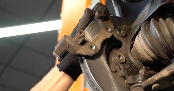 Wie VOLVO V50 1.8 FlexFuel 2007 Bremsscheiben ausbauen - Einfach zu verstehende Anleitungen online