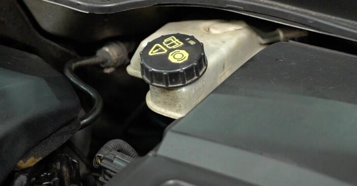 Wechseln Bremsscheiben am VOLVO V50 (MW) 2.4 2006 selber
