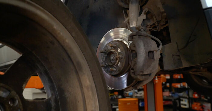 Bremsscheiben am VOLVO V50 (MW) 1.8 2008 wechseln – Laden Sie sich PDF-Handbücher und Videoanleitungen herunter
