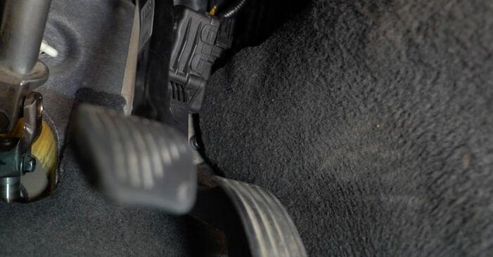 VOLVO V50 1.6 D Innenraumfilter ausbauen: Anweisungen und Video-Tutorials online