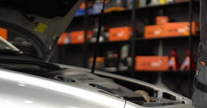 Wie Kraftstofffilter Volvo v50 mw 2.0 D 2003 tauschen - Kostenlose PDF- und Videoanleitungen