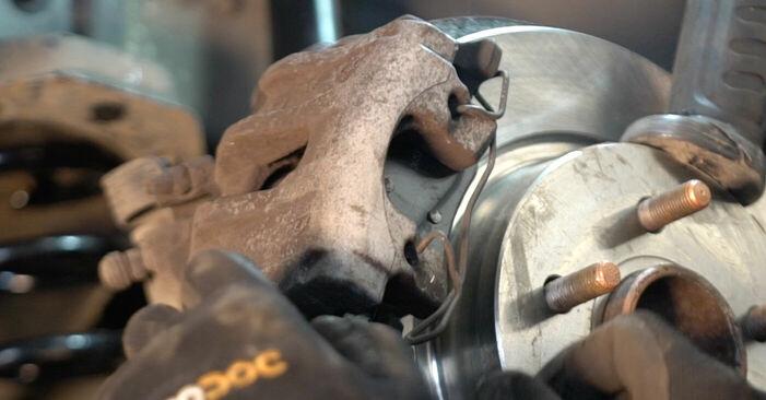 Bremsbeläge Volvo v50 mw 1.6 D2 2005 wechseln: Kostenlose Reparaturhandbücher