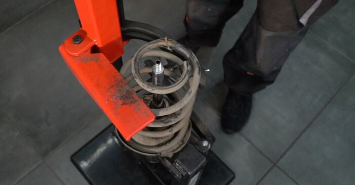 Patstāvīga VOLVO V50 (MW) 2.4 2006 Amortizators nomaiņa