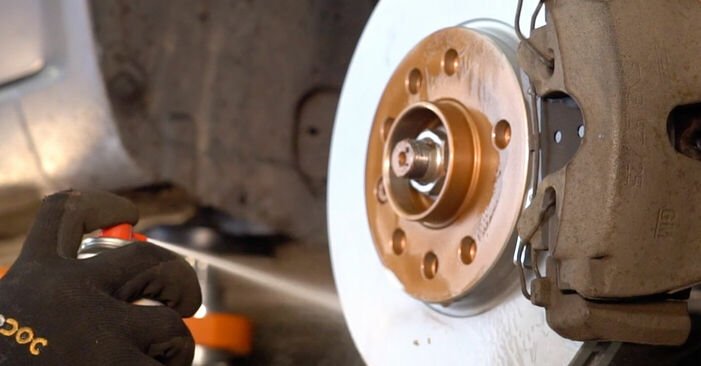 How hard is it to do yourself: Brake Pads replacement on Zafira b a05 1.9 CDTI (M75) 2011 - download illustrated guide