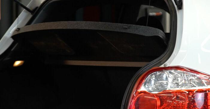 Wie Heckklappendämpfer Toyota Auris e15 1.4 D-4D (NDE150_) 2006 tauschen - Kostenlose PDF- und Videoanleitungen