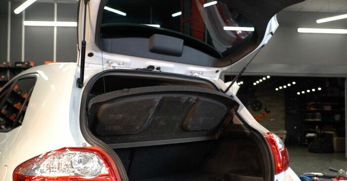 Heckklappendämpfer Ihres Toyota Auris e15 1.4 D-4D (NDE150_) 2007 selbst Wechsel - Gratis Tutorial