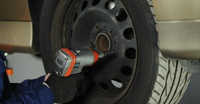 Radlager BMW E90 318d 2.0 2008 wechseln: Kostenlose Reparaturhandbücher