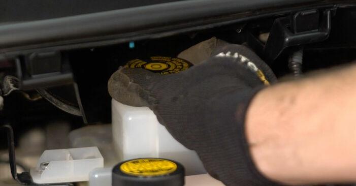 Wie Bremsscheiben Toyota Auris e15 1.4 D-4D (NDE150_) 2006 tauschen - Kostenlose PDF- und Videoanleitungen