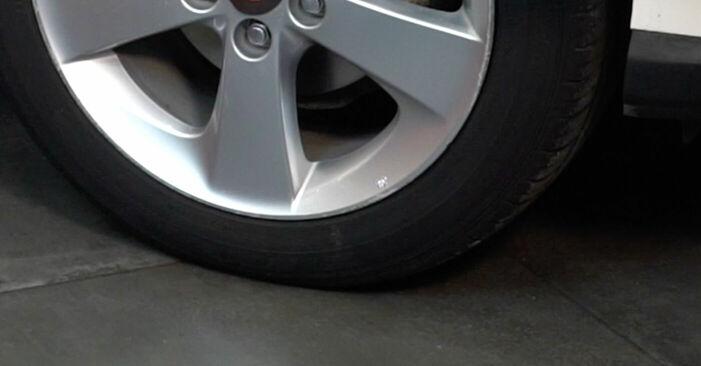 Bremsbeläge beim TOYOTA AURIS 1.8 (ZRE152_) 2006 selber erneuern - DIY-Manual