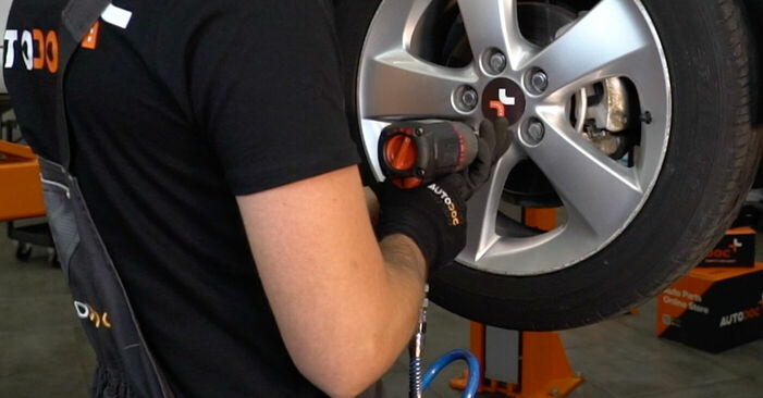 Wie TOYOTA AURIS 1.4 (ZZE150_) 2010 Bremsbeläge ausbauen - Einfach zu verstehende Anleitungen online