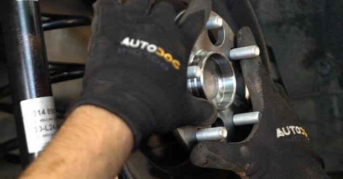 Quão difícil é efetuar a substituição de Rolamento da Roda no Toyota Auris e15 1.33 Dual-VVTi (NRE150_) 2012 por si mesmo - descarregue o guia ilustrado