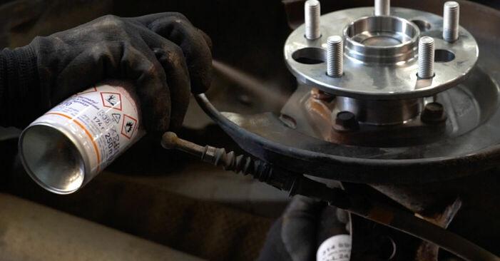 Mudar Rolamento da Roda no Toyota Auris e15 2007 não será um problema se você seguir este guia ilustrado passo a passo