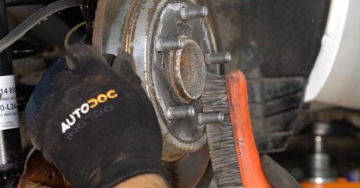 Recomendações passo a passo para a substituição de Toyota Auris e15 2012 1.4 (ZZE150_) Discos de Travão por si mesmo