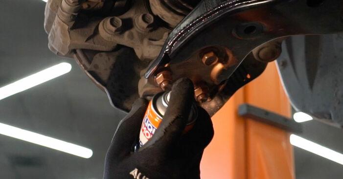 Wie schwer ist es, selbst zu reparieren: Querlenker Toyota Auris e15 1.33 Dual-VVTi (NRE150_) 2012 Tausch - Downloaden Sie sich illustrierte Anleitungen
