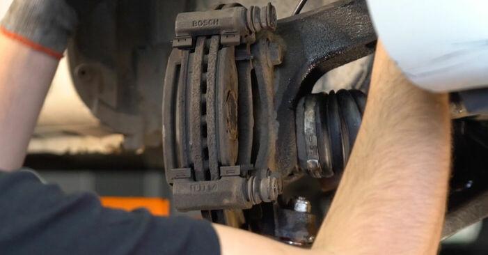 CITROËN C1 1.4 HDi Bremsscheiben ausbauen: Anweisungen und Video-Tutorials online