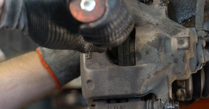 Bremsscheiben beim CITROËN C1 1.4 HDi 2012 selber erneuern - DIY-Manual