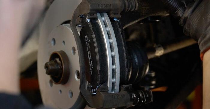 Wie Bremsbeläge CITROËN C1 (PM_, PN_) 1.0 2005 tauschen - Kostenlose PDF- und Videoanleitungen
