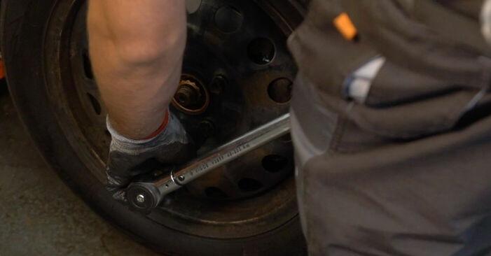 Wie schwer ist es, selbst zu reparieren: Bremsbeläge CITROËN C1 (PM_, PN_) 1.0 2011 Tausch - Downloaden Sie sich illustrierte Anleitungen
