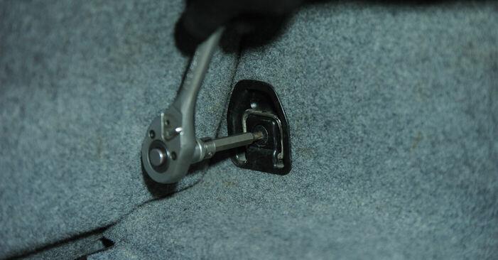 Wie Stoßdämpfer BMW 3 (E90) 320i 2.0 2007 austauschen - Schrittweise Handbücher und Videoanleitungen