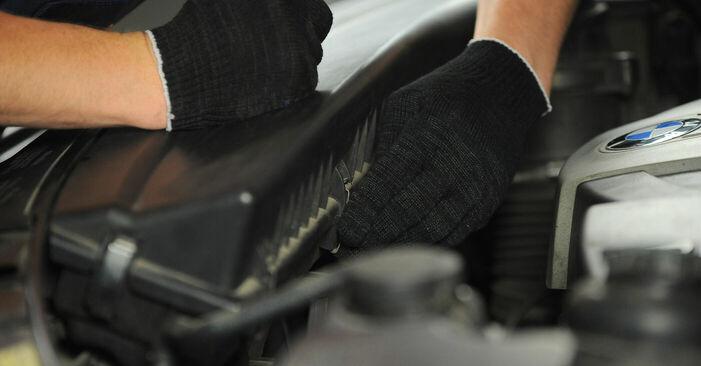 BMW X3 3.0 d Luftfilter ausbauen: Anweisungen und Video-Tutorials online