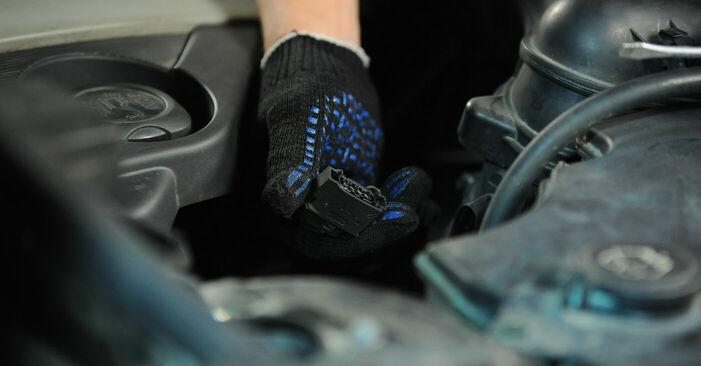 Luftfilter BMW X3 E83 xDrive20d 2.0 2005 wechseln: Kostenlose Reparaturhandbücher