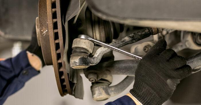 Spurstangenkopf beim BMW X5 4.4 i 2007 selber erneuern - DIY-Manual