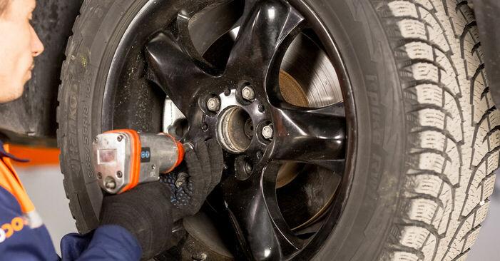 Spurstangenkopf BMW E53 4.4 i 2002 wechseln: Kostenlose Reparaturhandbücher