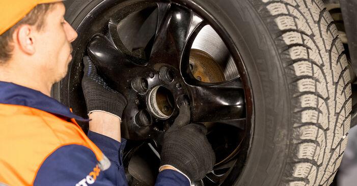 Wechseln Spurstangenkopf am BMW X5 (E53) 4.6 is 2003 selber