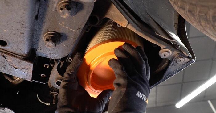Luftfilter am ALFA ROMEO 159 Sportwagon (939) 2.4 JTDM Q4 2010 wechseln – Laden Sie sich PDF-Handbücher und Videoanleitungen herunter