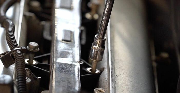 Tausch Tutorial Zündkerzen am ALFA ROMEO 159 Sportwagon (939) 2009 wechselt - Tipps und Tricks
