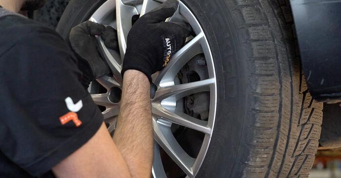 Bremsbeläge beim ALFA ROMEO 159 2.2 JTS 2012 selber erneuern - DIY-Manual