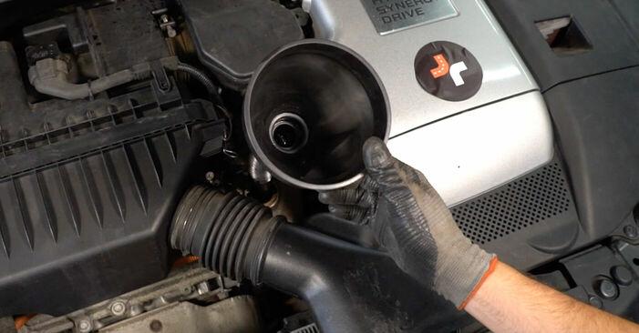 Ölfilter beim LEXUS RX 350 3.5 (GSU35_) 2004 selber erneuern - DIY-Manual
