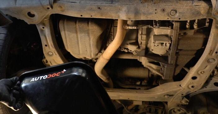 Wie schwer ist es, selbst zu reparieren: Ölfilter Lexus RX XU30 330 (MCU38_) 2003 Tausch - Downloaden Sie sich illustrierte Anleitungen
