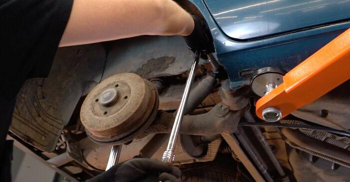 Combien de temps dure le remplacement : Amortisseurs sur Renault Kangoo kc01 2005 - manuel PDF informatif