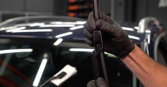 Kuinka vaikeaa on tehdä itse: Pyyhkijänsulat-osien vaihto Passat 3c 1.4 TSI EcoFuel 2005 -autoon - lataa kuvitettu opas